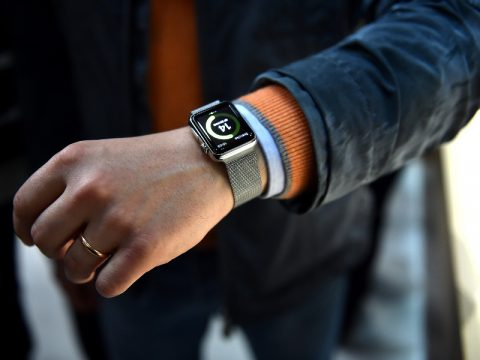 How To Choose Stylish Watches For Physically Active Men?