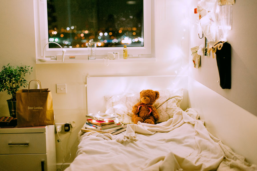 5 Styling Tips & Tricks For The Best Dorm Room Ever